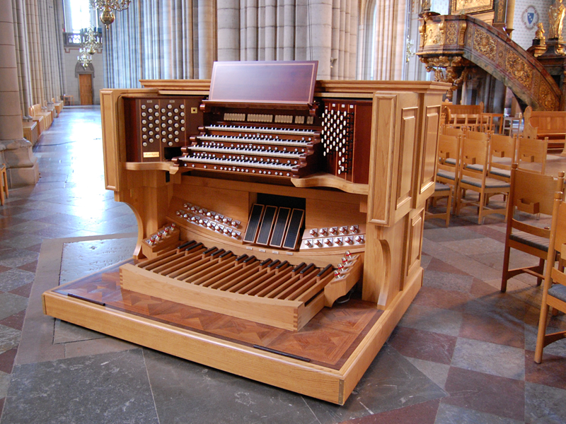 The nave console of the new four manual Ruffatti organ in Uppsala Cathedral, Sweden.  A second, identical console is located over the balcony.
