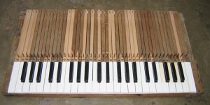 The key levers are made from beechwood, the key coverings are made of ivory and ebony.