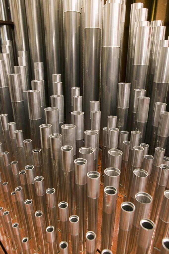 Canne con gli speciali anelli di accordatura, dotati di un bordino alla base per facilitare l'accordatura senza danni per le canne.