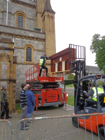 Lifting organ windchests up to the Triforium